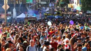 How Weird 2012 - center crowd